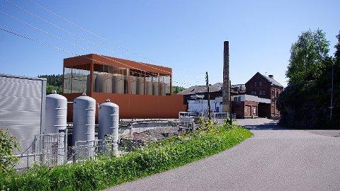 FRA GAMMELT TIL NYTT: Dette er det nye anlegget til Grans Bryggeri sett fra Breiliveien. Rådmannen er postivt til planene, nå skal politikerne si sitt.