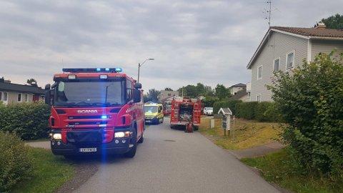 RØYKUTVIKLING: Alle enheter reiste til adressen i Vindalveien i Sandefjord.