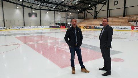 ELITESERIEKLAR: Den nye ishockeyhallen er godkjent for spill i norsk eliteserie. Her ser vi Thorbjørn Vedvik og Kjell Rune Pedersen.