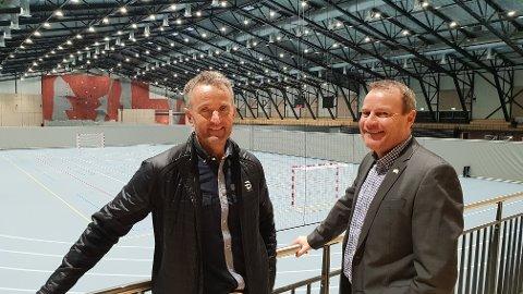 ARRANGERER: Her ser vi driftslederen for den nye Oslofjord-hallen, Thorbjørn Vedvik, og sales manager Kjell Rune Pedersen. Det vil bli mange aktiviteter i denne store flerbrukshallen gjennom 2019.