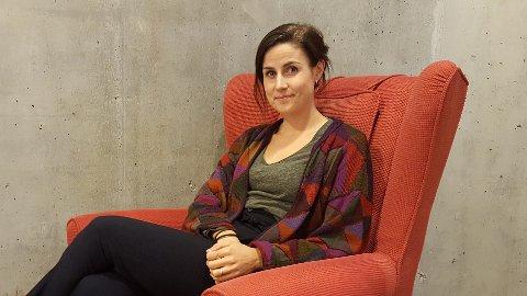 MENINGSFULLT: Maria Etnestad Drivdal håper at flere unge og eldre kan finne noen å snakke med og hjelpe hverandre.