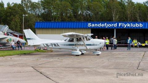 Besøkende fikk oppleve flymiljøet på nært hold.