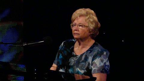 Anne Marie Rønningen spiller og synger på Kanal 10 torsdag kveld.