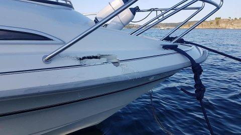 OVER RIPA: Båten lå stille i vannet da vannscooteren traff.
