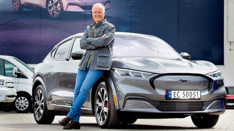 Einar Flåte bestilte Mustang Mach-E den første dagen det var mulig. Nå har han fått bilen sin.