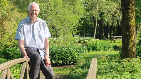 ENGASJERT RUSFORSKER: Sverre Nesvåg er blant landets fremste eksperter innenfor et svært og komplisert felt. Da er det godt å ha Sandvedparken et steinkast fra huset.
