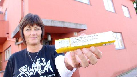 NALOKSON: Sandnes blir testkommune for Nalokson nesespray som kan redde liv ved overdose. Daglig leder Åse Odland ved Funkishuset ønsker nesesprayen velkommen.