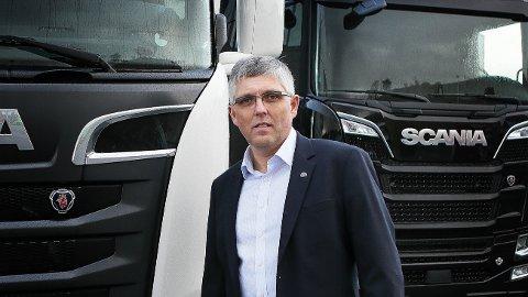 VELGES VEKK: Distriktssjef i Norsk Scania AS, Arild Netland, forteller at enkelte kunder har nå velger andre verksted heller enn å kjøre til Scania-verkstedet på Foss-Eikeland.