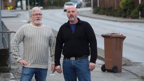 KREVER SVAR: Beboer Erik Carlsen og næringsdrivende Jone Brandsøy har ventet i mange år på endelig avklaring av hva som skal skje med Oalsgata.