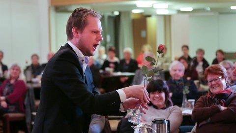 OPERA: Opera er populært i Sandnes. Her er det Leif Jone Ølberg som trollbinder publikum under en nyttårskonsert i Gand kirke.