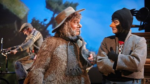 FLÅKLYPA: Det blir møte med Ludvig og Solan fredag. Teaterstykket blir presentert for barn i kulturhuset.