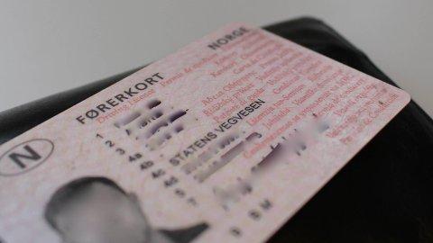 FØRERKORT: En narkosiktet yrkessjåfør får ikke førerkortet sitt igjen før saken mot ham er avgjort. Illustrasjonsfoto: Andreas Kydland