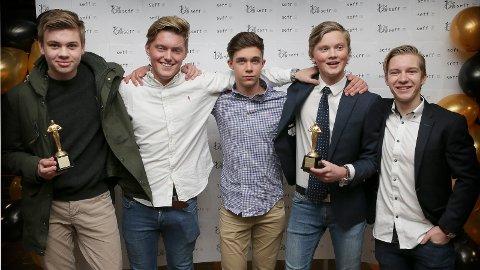 TO PRISER: Snorre Hagli, Fredrik Selikken, Kristian Tjelta Johansen, Torjus Jaastad Knudsen og Henrik Haugland vant to priser med filmen Homofilt.