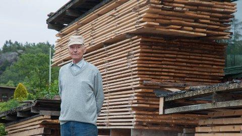 HOBBY: 82 år gamle Guttorm Ims driver fremdeles sagbruket han grunnla på 1960-tallet, om enn bare som en hobby.