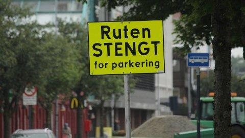 STENGT: Dette skiltet møter deg på vei inn til Ruten.