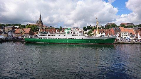 POPULÆRT INNSLAG: MS «Sandnes» deltok nylig på Flensburger Dampfestival og var et populært innslag. Foto: Privat