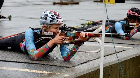 TREFFER BLINK: Alt ligger til rette for at Augusta Idland og resten av skiskyttertalentene i Team iSandnes skal bli noen av verdens beste skiskyttere på sikt.