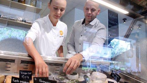 TIL VM: Bo Jensen deltar i høst i World Cheese som arrangeres i Bergen. Men først deltar han på 100-ugå med suksessen «Lille Aske» på NOI hvor Julie Salmo forteller om godt salg.