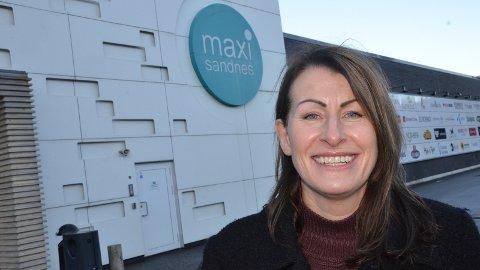 BETALER TILBAKE: Flere av butikkene ved Maxi Sandnes vil betale tilbake bompenger til sine kunder, forteller senterleder Magnhild Egeland.