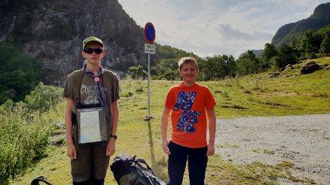 TOUR DE SANDNES: Rune Skeie og Jone Bøe er til vanlig speidere i 1. Lura speidergruppe.