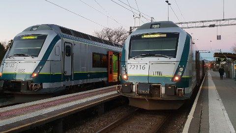 TOGENE GÅR: Togtrafikken skal nå gå som normalt igjen.