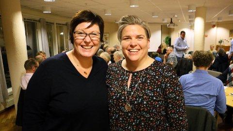 SPENNENDE: Oddny Helen Turøy og Guro Heggemsnes Fløysvik fra KrF i anledning kommunevalget. Arkivfoto.