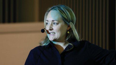 LEDER: Stine Haave Åsland holder innlegg på et av møtene i styringsgruppen for Bymiljøpakke Nord-Jæren.
