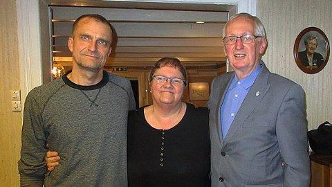 Thore Håland, Liv J. Rennan og Roald A. Lende står overfor en vanskelig avgjørelse.