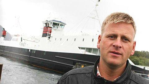 Ole Tom Guse er kritisk til at Høgsfjord-ferja driftes privat.