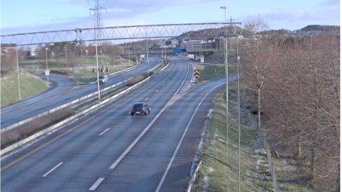 Det er fra dette området ved Forus at veien blir stengt for trafikk mot Stangeland i Sandnes.