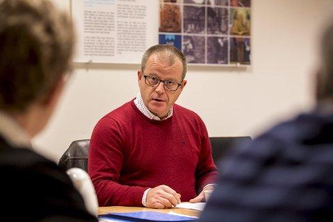 URAVSTEMNING: Martin Engeset har satt i gang en rådgivende uravstemning for at medlemmene i Sarpsborg Høyre skal få si hvem de ønsker som partiets ordførerkandidat – Monica Gåsvatn eller Harald Rønneberg.