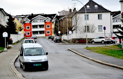 Interessert i tips: Politiet ønsker seg tips etter et overfallsran som hendte her, i Aarslands gate, fredag morgen.