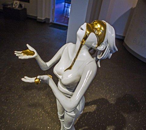 Utvalgt: Kim Simonsson fra Finland stiller med skulpturen  «Chosen III».
