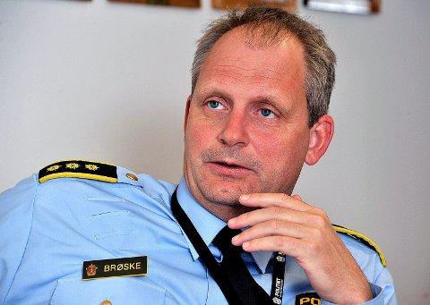 Politistasjonssjef Tommy Brøske er glad for at ranet ser ut til å ha fått en rask oppklaring. Seks personer er pågrepået etter nattas ran.