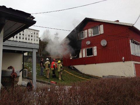 59371e3b6 Sarpsborg Arbeiderblad - Til sykehus etter boligbrann