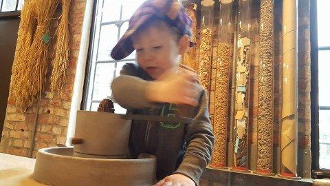 Barnearbeid: Østfoldmuseene tilbyr i sommer aktiviteten «Bli med på ærbe».