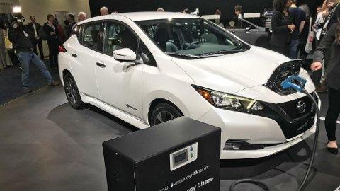 Her er Nissan Leaf på plass på den store teknologimessen CES i Las Vegas. Nissan har lagt premieren for den nye utgaven hit – og til Japan.