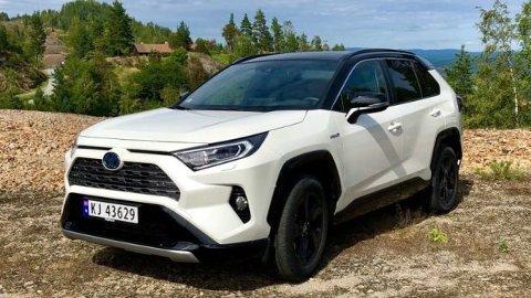 Nye Toyota RAV4 er Norges mest solgte SUV så langt i år – med drøyt 3.500 solgte eksemplarer.