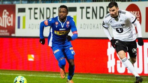 ØNSKET: Brice Wembangomo har levert varene denne sesongen for sitt Sandefjord, og er nå ønsket av flere klubber.