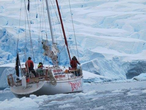 I «Jakten på Berserk» blir TV-seerne med på ferden tilbake til Antarktis. Foto: Wildvikings.com/TVNorge/ANB