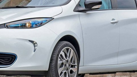 Renault har slitt tungt i det norske markedet i mange år, men nå peker pilene kraftig oppover. Elbilen Zoe har en stor del av æren for det.