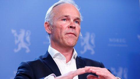 Dersom statsråd Jan Tore Sanner fortsetter de statlige kuttene, vil ventetida i Nav bli mye lenger enn i dag, advarer NTL.