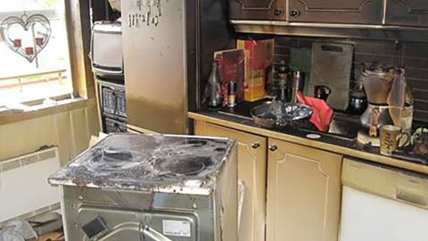 Slik kan kjøkkenet se ut etter en komfyrbrann.