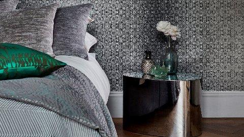 Gro Welle-Watne i Tapethuset synes soverommet er perfekt for mørke farger.