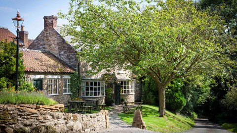 På denne lille, koselige landsbypuben i North Yorkshire i England får du verdens beste mat, ifølge Trip Advisors lesere.