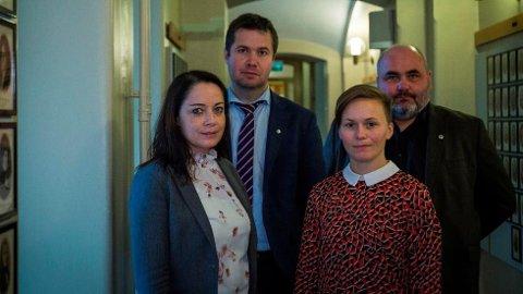 Else-May Botten (Ap, f.v.), Geir Pollestad (Sp) og Solfrid Lerbrekk (SV) godtar ikke at næringsminister Monica Mæland lar Color Line flagge ut. Her med hovedtillitsvalgt Ronny Øksnes i Norsk Sjømannsforbund.