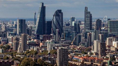 Mange nordmenn drar på helgetur til London.