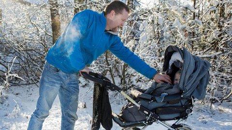 Ståle Ringsjø får ikke tilrettelagt arbeidstida si. Nå har han pappapermisjon, men når han begynner i jobb i januar må han starte arbeidsdagen klokka sju. Barnehagen åpner halv åtte.