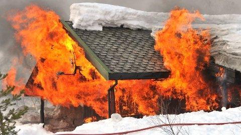 Mange hyttebranner kunne vært avverget dersom eierne hadde sørget for å ha brannslukningsutstyr tilgjengelig.