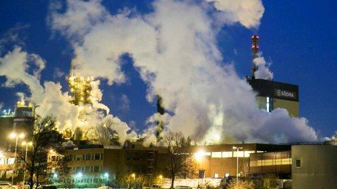 I 2013 mistet 295 ansatte jobben da de svenske eierne la ned cellulosefabrikken Södra Cell Tofte.